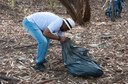 Ação de limpeza da nascente afluente do Córrego Traíra