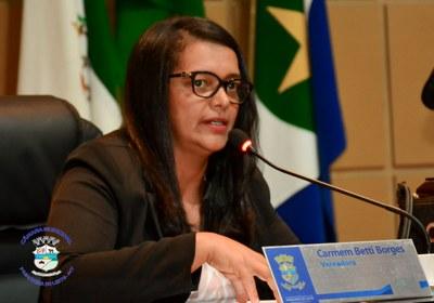 Carmen Betti durante Sessão Ordinária