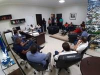 Mesa Diretora realiza 1ª reunião oficial de trabalho recebendo emenda de R$ 200 mil para CEO