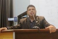 Vereador Carlos Araújo defende educação de qualidade
