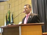 Vereador Carlos Instrutor defende criação de conselhos gestores nas unidades de saúde