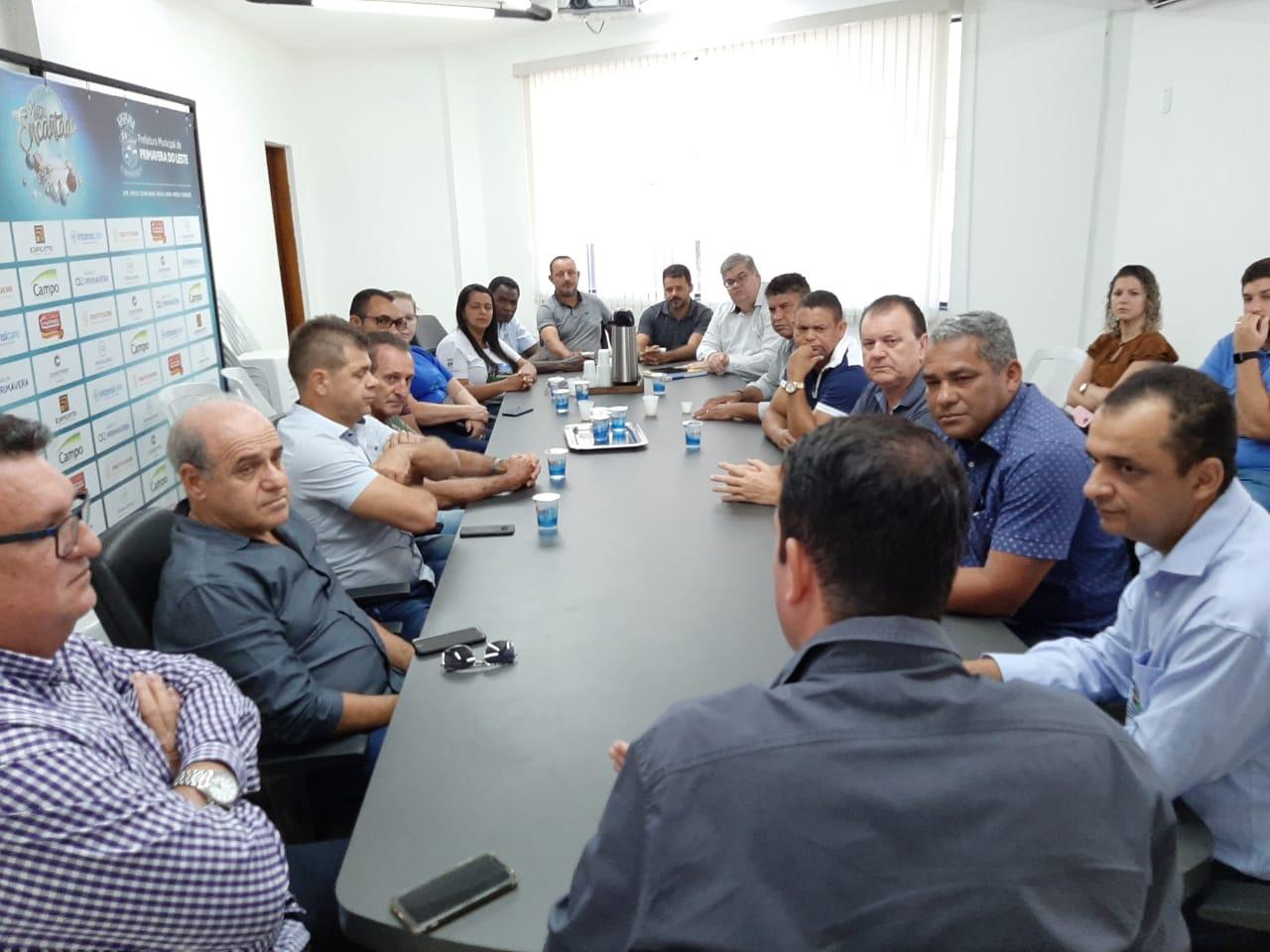 Vereadores e prefeito buscam alternativas para resolver o problema da erosão do Bairro São José e da ponte do Vale Verde